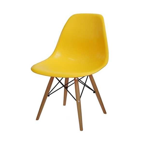 Cadeira Eames em Polipropileno Base Madeira Amarela OR Design