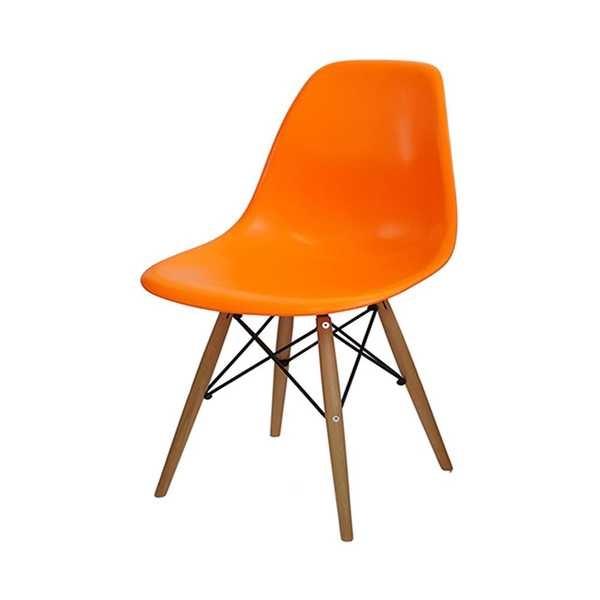Cadeira Eames em Polipropileno Base Madeira Laranja OR Design