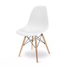 Cadeira Giratória Eames em Polipropileno Base Madeira Branca OR Design