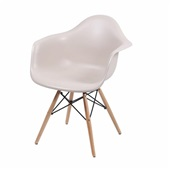 Poltrona Eames Base Madeira Fendi 1 UN OR Design
